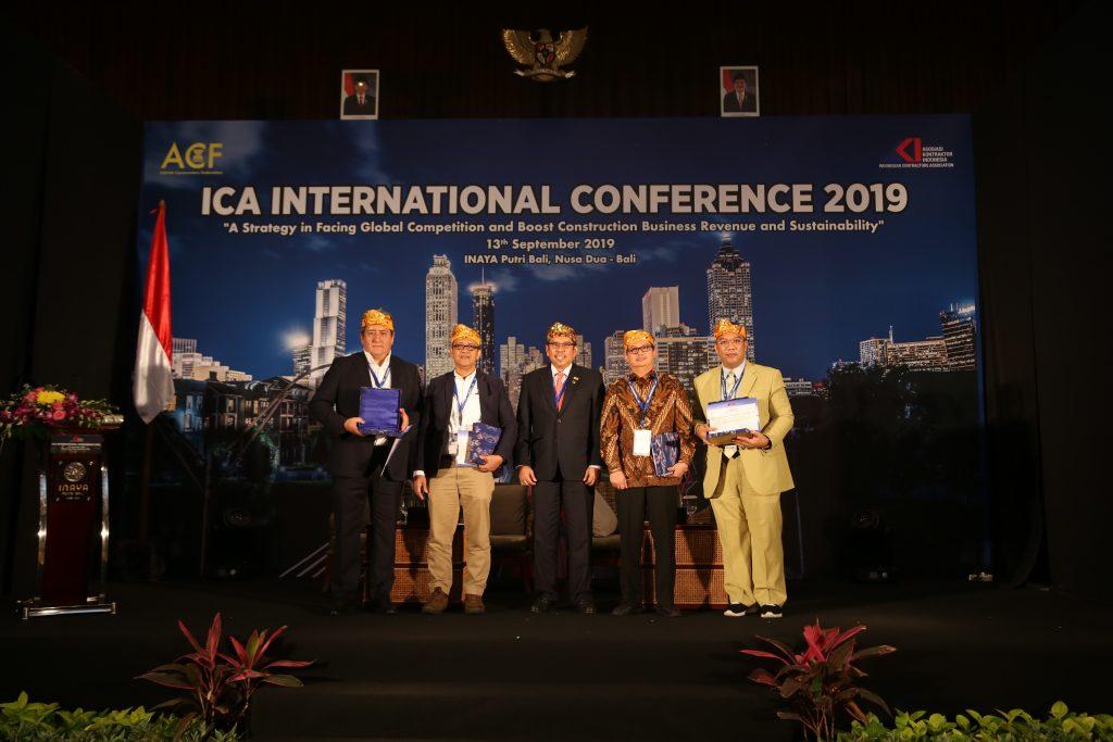Ir. Budi Utomo sebagai pembicara di ACF-AKI Bali